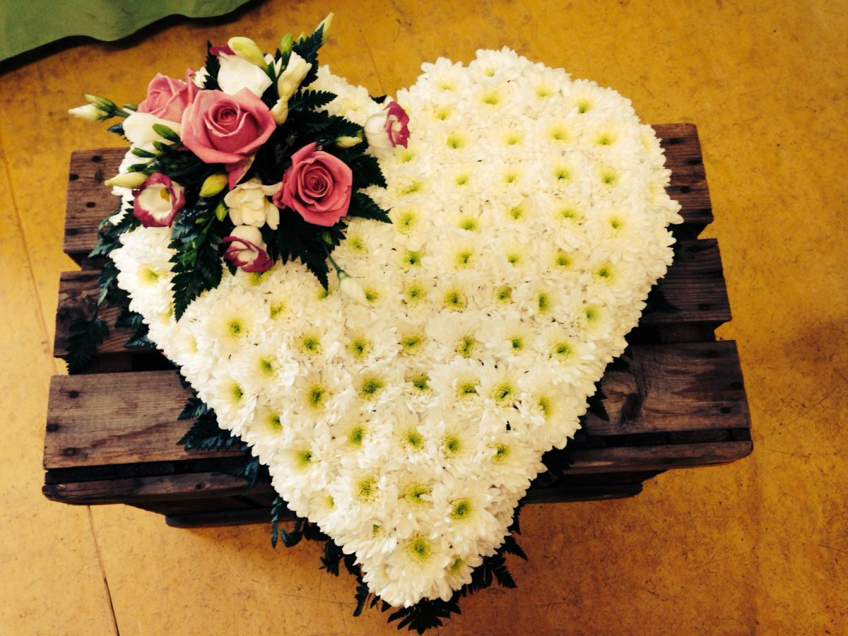 Funeral Flowers By Saltford Flowers Bristol Order Online Or Call
